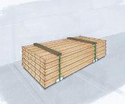 Paketsäkring genom bandning av godset och samtidig insättning av överslag av trä och undre kantskydd